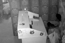 Güvenlik kamerasını gören hırsızın komik hali