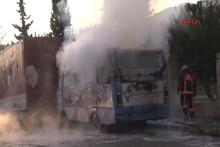 Kağıthane'de midibüs yandı