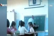 Demet Akalın'dan öğrencisini döven öğretmene tepki