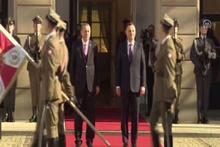 Cumhurbaşkanı Erdoğan'ı 'Ey büt-i nev eda' ile karşıladılar