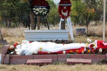 Bu acıya yürek dayanmaz! Şehit mezarında kahreden görüntü