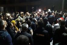 Ankara Büyükşehir Belediyesi önünde hareketlilik!
