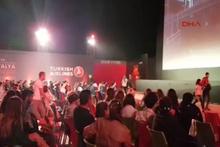Festivalde PKK'lı teröristlere gerilla denince kriz çıktı, film yarıda kaldı