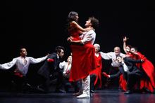 Demet Özdemir'in yeni filmi için yaptığı ateşli dans, ortalığı kasıp kavurdu