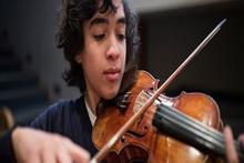 14 yaşında senfoni yazıyor
