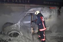 Alev alev yanan aracın sürücüsü kendisini son anda dışarı attı