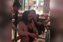 Diriliş Ertuğrul ekibi Katar'da Şazeli'de yemek yedi