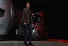 İşte Elon Musk'un elektrikli tırı Tesla Semi