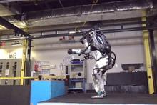 Bu robot insanlığını sonu olacak bakın ne yapıyor