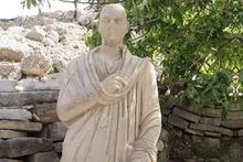 Side'de bulunan Roma dönemi heykelleri restore ediliyor