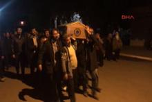 O PKK'lının cenazesini HDP'li milletvekilleri gömdü!