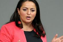 Skandal hareket: Türk kökenli milletvekili Meclis'i karıştırdı!