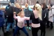 Kız öğrencilerin kavgası görenleri şok etti