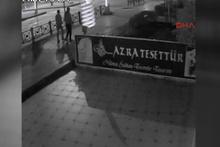Televizyon hırsızları güvenlik kamerasına yakalandı