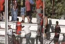 Arjantin'de tribün karıştı, holiganlar çocukları bıçakladı!