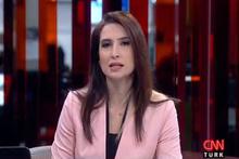 CNN Türk spikeri yaka mikrofonunu açmayı unutunca