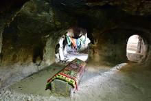 Aziz Mercurius Yeraltı şehrinin gizemli mezarlarına bakın!