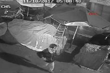 Polis, linç edilmek istenen hırsızı kurtardı