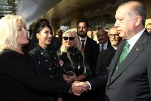 Ünlüler Erdoğan'ı yalnız bırakmadı! AKM lansmanına kimler katıldı