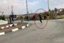 İsrail askerleri canlı yayında Filistinli protestocuyu vurdu