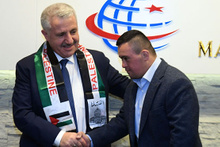 Bakan Arslan, down sendromlu Filistinli Muhammed'i kabul etti
