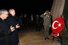 Cumhurbaşkanı Erdoğan, Şehitler Anıtı'nı ziyaret etti