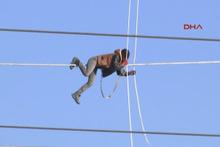 Ne yapıyor bu adam yüksek gerilim hattında nedeni...