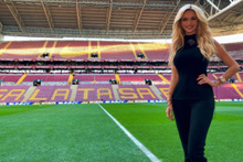 İyi niyet elçisi Victoria Lopyreva Galatasaray maçında