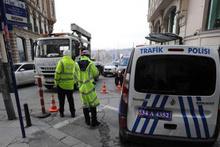Beyoğlu'nda güvenlik önlemleri arttırıldı! Şüpheli araçlar aranıyor