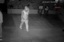 Restoranda yaşanan hırsızlık anı