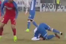 Futbolcunun az kalsın boynu kırılıyordu