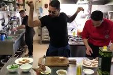 İtalyan futbolcu Marco Borriello'dan Nusret taklidi