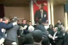CHP'li belediyede tekme tokat kavga!