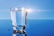 Aç karnına su içmek neden faydalı?
