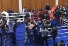 Boks maçında 40 kişilik kavga çıktı!