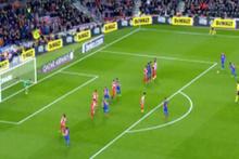 Neymar Sporting Gijon'a attığı frikik golüyle kaleciyi içeri soktu