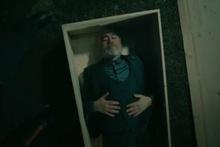 Diri diri toğrağa giren usta oyuncu Uğur Yücel fenalaştı!