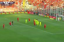 Alexis Sanchez'den mükemmel frikik golü