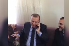 Erdoğan'ın kadınlarla çay sohbeti güldürdü