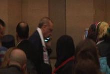 Erdoğan telefon gelince salondan ayrıldı