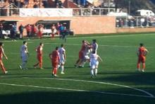 Amatör maçta futbolcular tekme tokat kavga etti