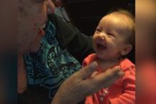 İşaret diline cevap veren bebek paylaşım rekoru kırıyor