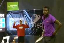 Tenis maçına sevişme sesleri damga vurdu!