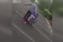 Engelli kızla saldırdı