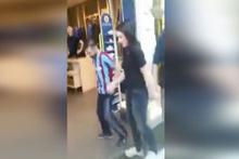 Horon oynayarak Fenerium mağazasına giren taraftarlar