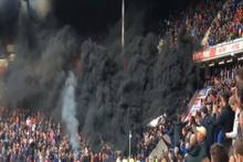 Hollanda'da PSV taraftarları, Ajax maçında tribünü yaktı