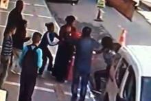Kız kardeşlerin cadde ortasındaki kavgası kanlı bitti