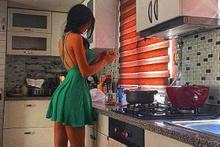 Cansu Taşkın'ın kahvaltı hazırlarken giydiği kıyafete bakın