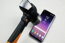 Samsung Galaxy S8 Plus dayanıklılık testinde