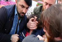 Taksim'de pankart açmak isteyen iki kişi gözaltına alındı